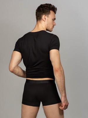 Комплект футболка с V-вырезом, боксеры с фирменной резинкой , цвет черный